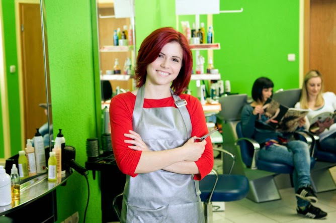 Florida Stylist Follows Growing Trend and Opens Business in a Small Space within a Larger Building of Independent Stylists